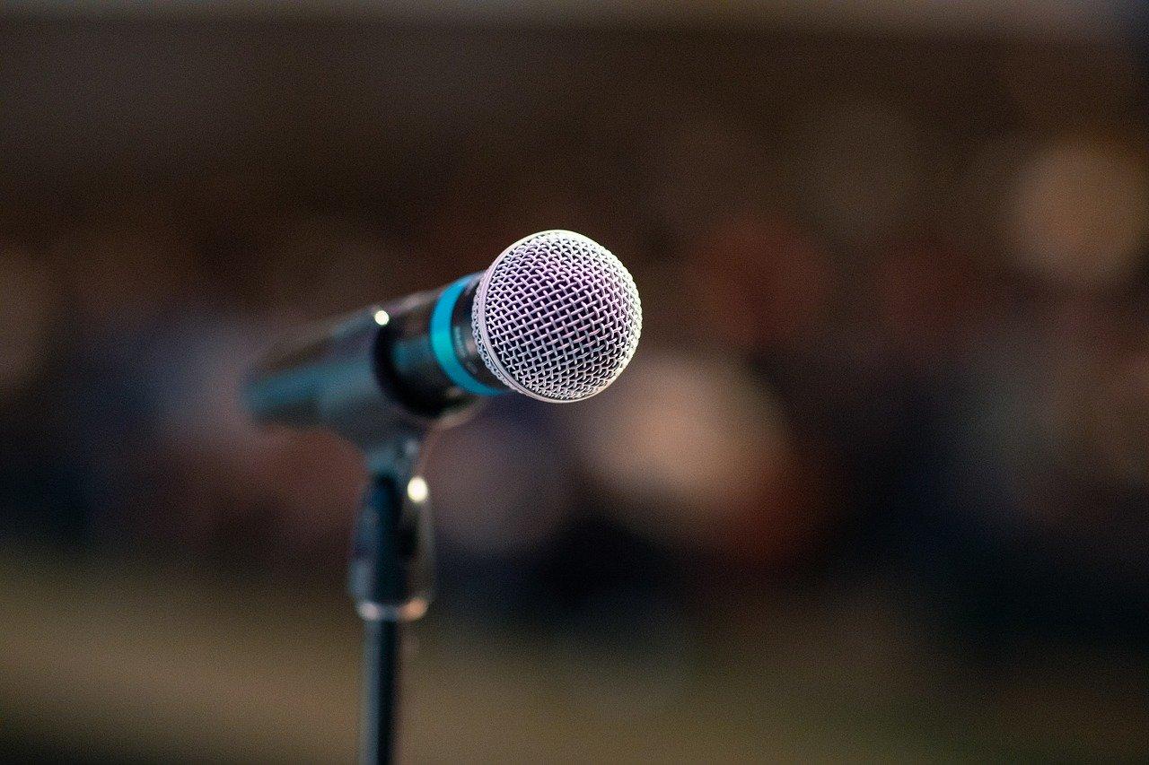 Как при болезни Паркинсона сохранить свою речь здоровой?